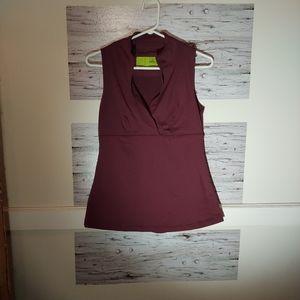 Titika Women's Size 8 Burgundy Sleeveless Tank Top